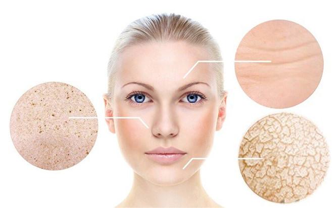 Bước 2: Tẩy bớt chất nhờn và tế bào sừng cứng trên da