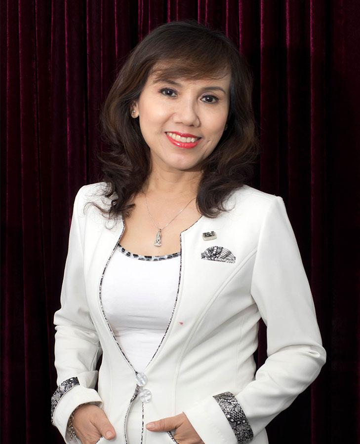 Lê Thị Túy Phượng - Giám đốc mỹ viện phương chịu trách nhiệm toàn bộ quá trình làm đẹp cho khách hàng