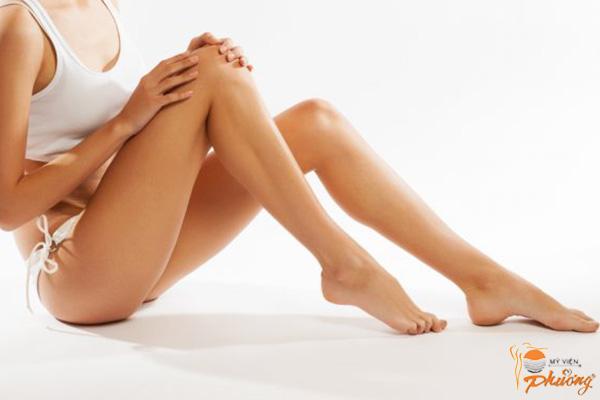 Cần tránh làm gì trước khi triệt lông chân bằng Laser?
