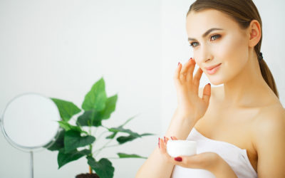 Kem dưỡng da giúp tái tạo làn da sau mùa hè.