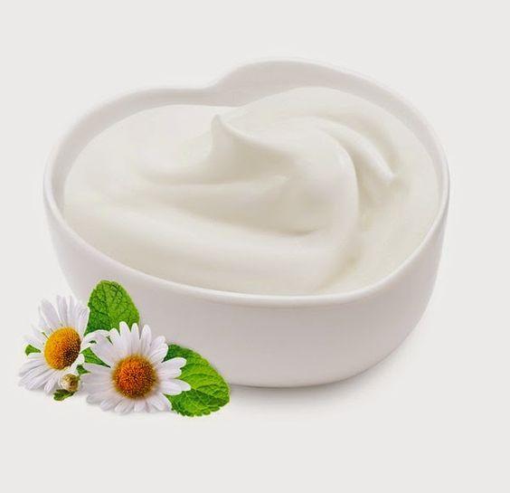Sữa chua không đường giúp trị mụn dị ứng hiệu quả